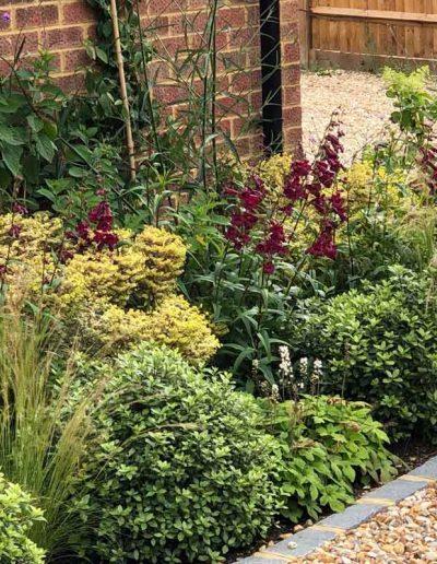laurel-hill-garden-design-front-of-garage