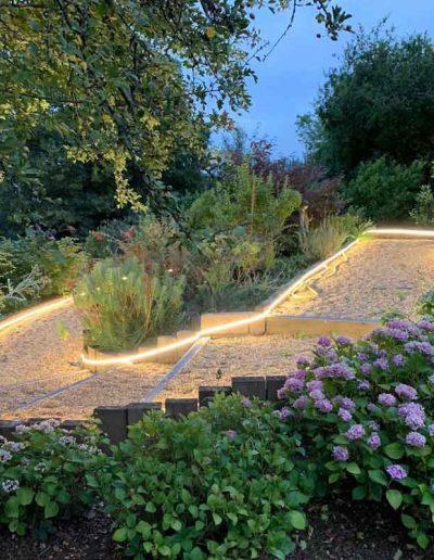 laurel-hill-garden-design-stair-border-lights