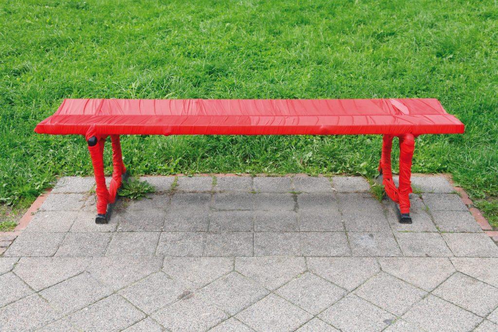 laurel-hill-garden-romantic-bench-in-the-park